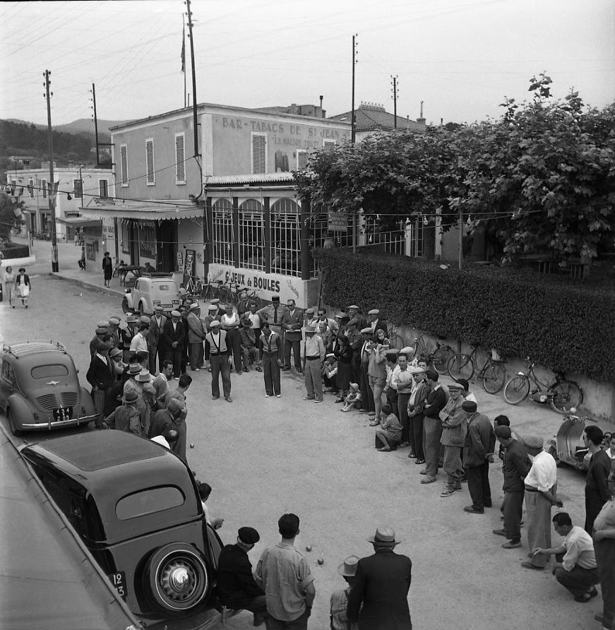 27 Fi 872 Concours de pétanque pour la fête de St Jean. 21/06/1953