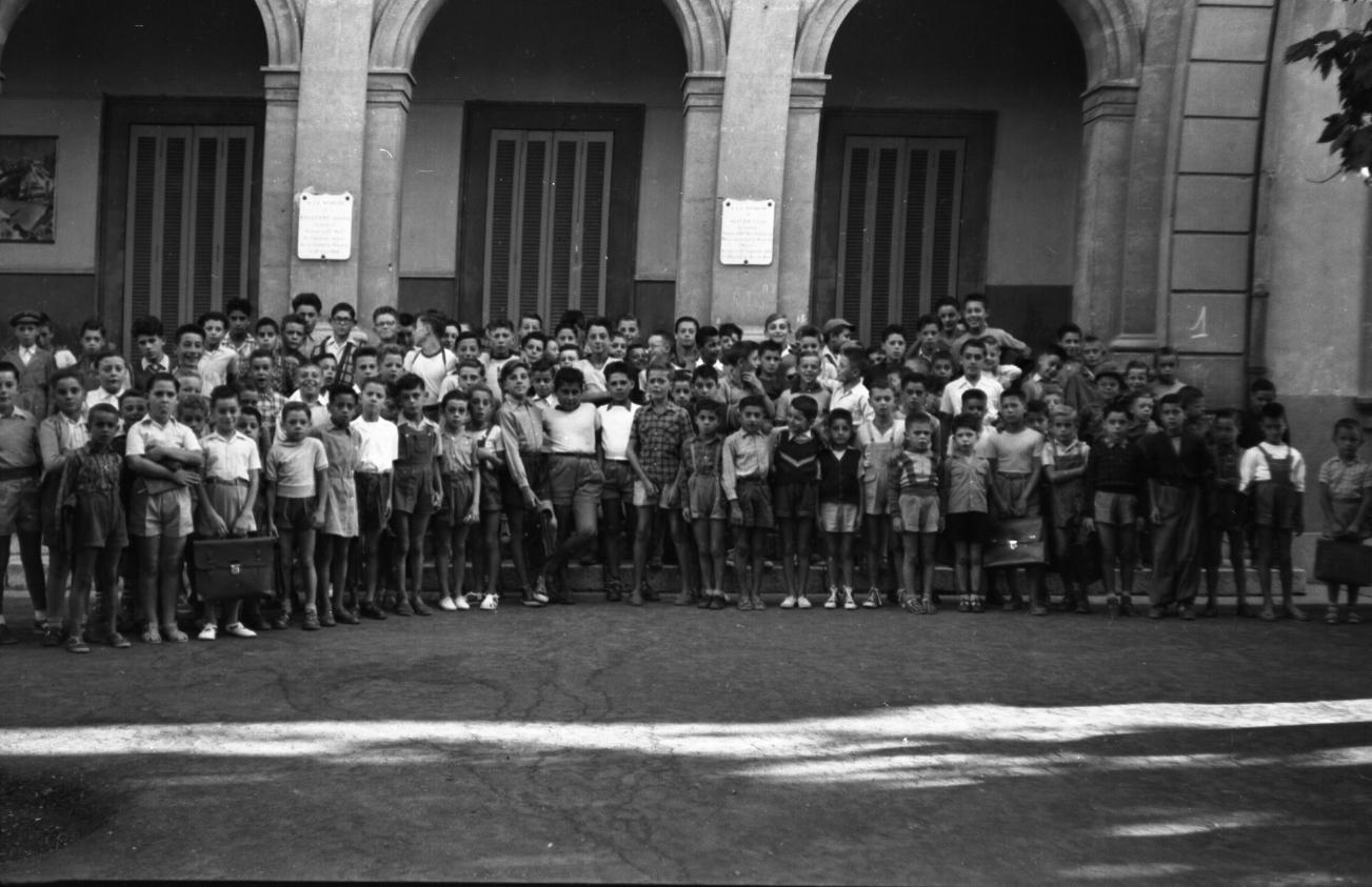 42Fi 0874 Rentrée des classes à l'école de garçons Jean Jaurès. 20/09/1953